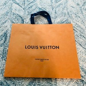 Louis Vuitton Large paper bag (new packaging)